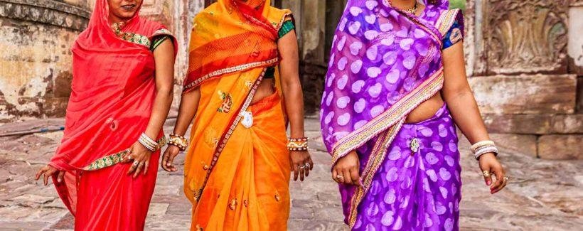 WomenWearingSari-5908cb5d3df78c9283653382